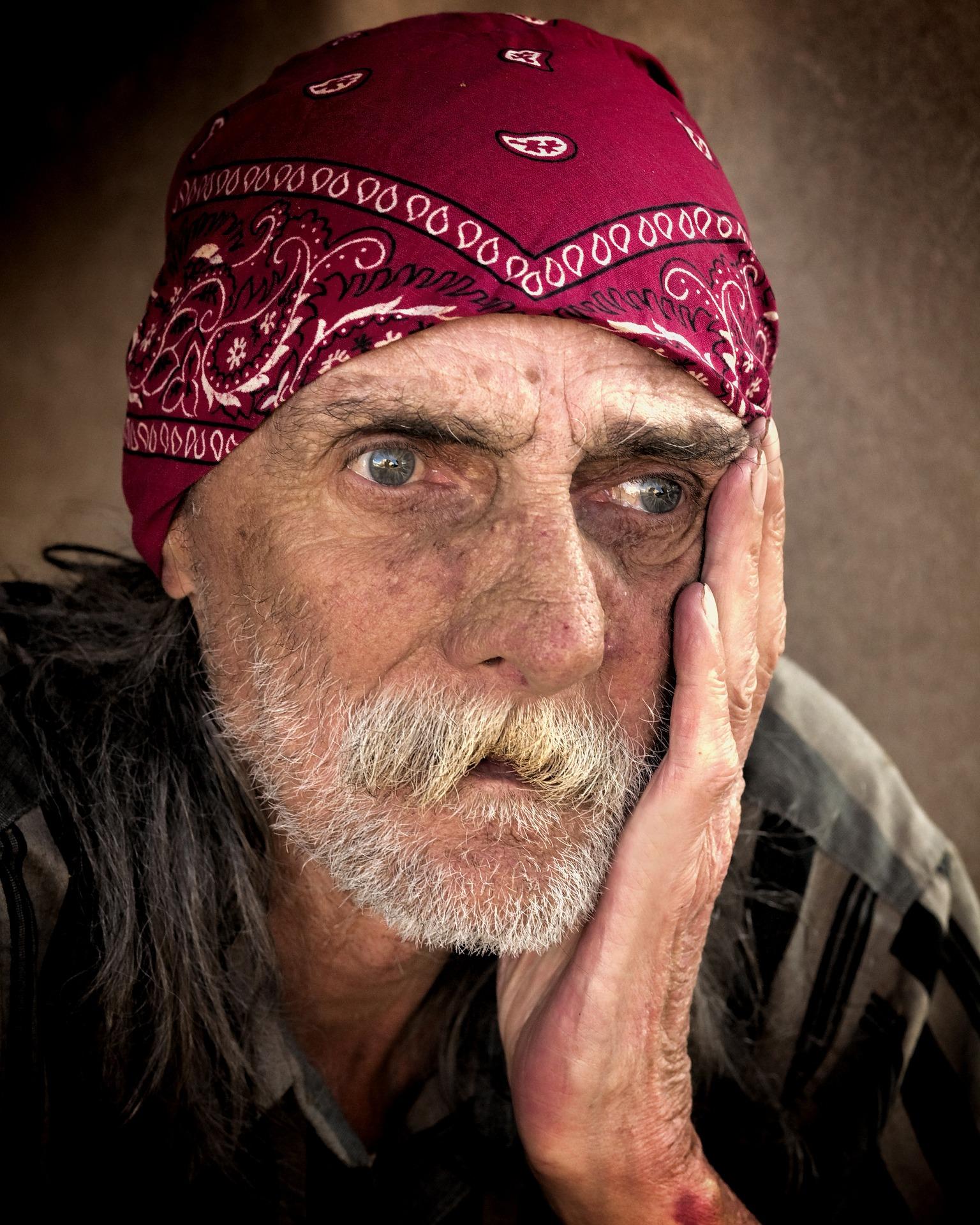 homeless-845711_1920.jpg